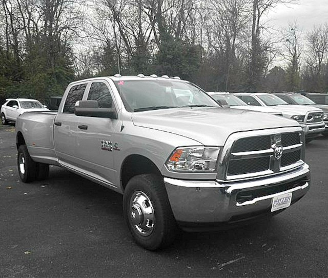 2018 Ram 3500 Crew Cab DRW 4x4,  Pickup #C18673 - photo 10