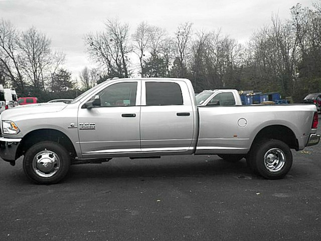 2018 Ram 3500 Crew Cab DRW 4x4,  Pickup #C18673 - photo 3