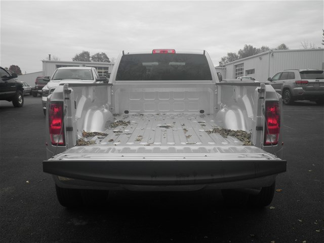 2018 Ram 3500 Crew Cab DRW 4x4,  Pickup #C18673 - photo 7