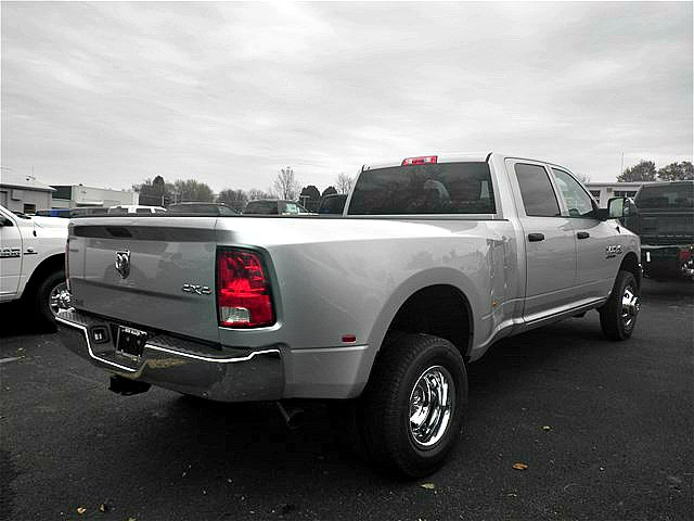 2018 Ram 3500 Crew Cab DRW 4x4,  Pickup #C18673 - photo 8