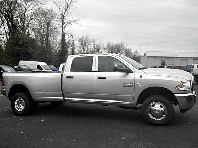 2018 Ram 3500 Crew Cab DRW 4x4,  Pickup #C18673 - photo 9