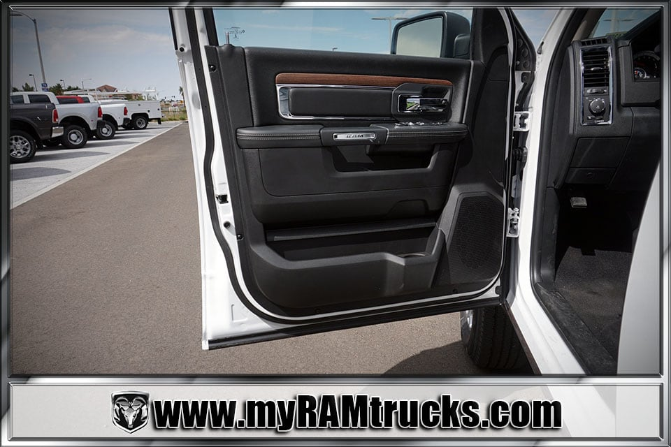 2017 Ram 2500 Crew Cab 4x4 Pickup #7T4304 - photo 10