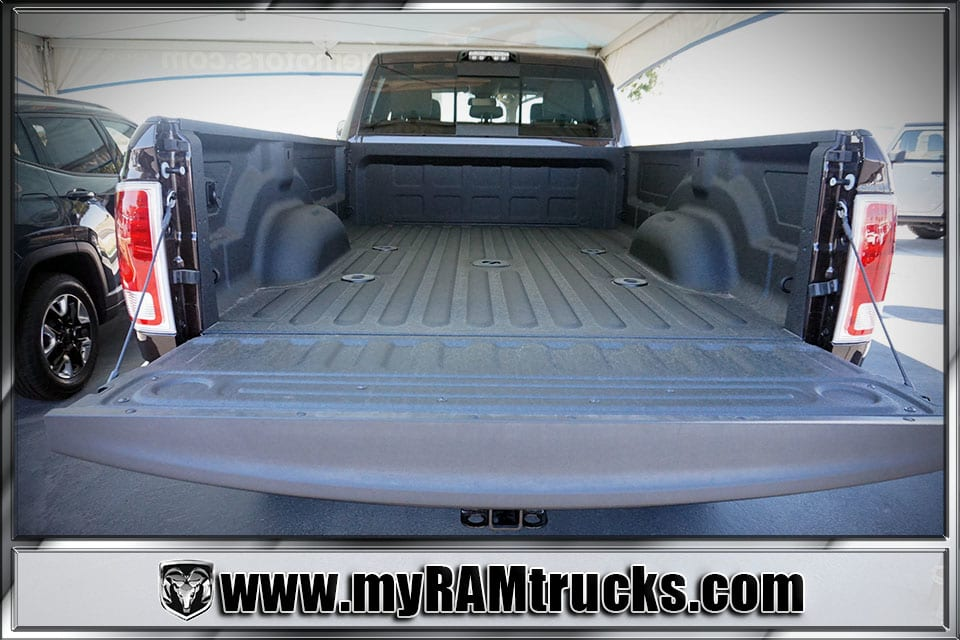 2017 Ram 2500 Crew Cab 4x4 Pickup #7T4318 - photo 30