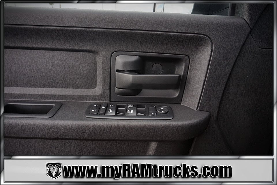 2018 Ram 2500 Crew Cab 4x4 Pickup #8T3014 - photo 11