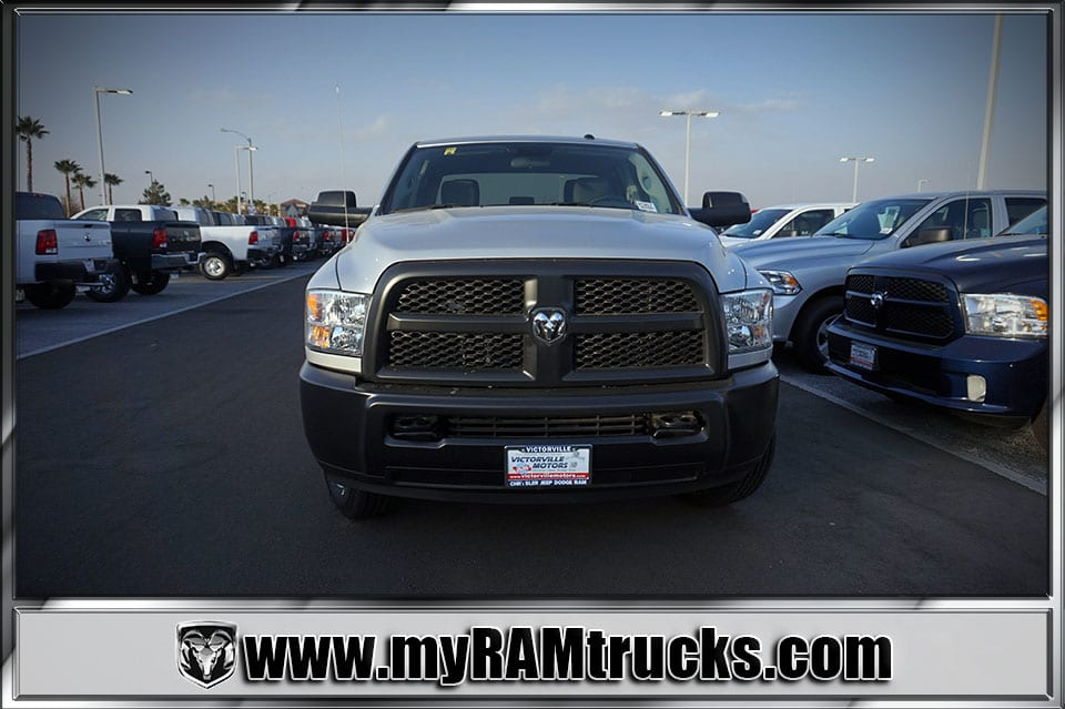 2018 Ram 2500 Crew Cab 4x4 Pickup #8T3017 - photo 3