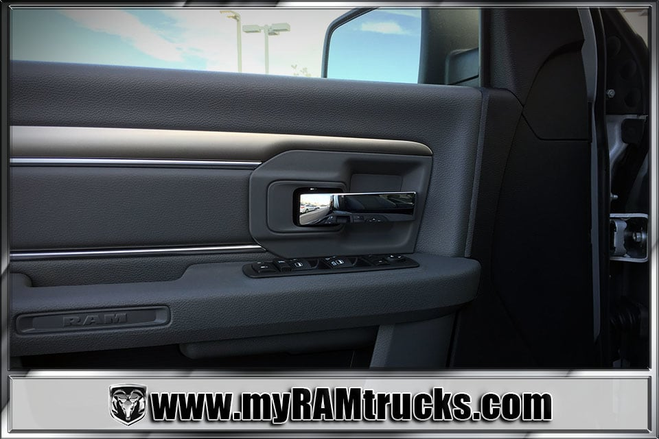 2018 Ram 2500 Crew Cab 4x4 Pickup #8T3023 - photo 11
