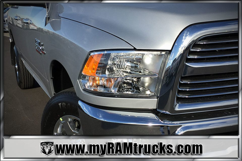 2018 Ram 2500 Crew Cab 4x4 Pickup #8T3023 - photo 4