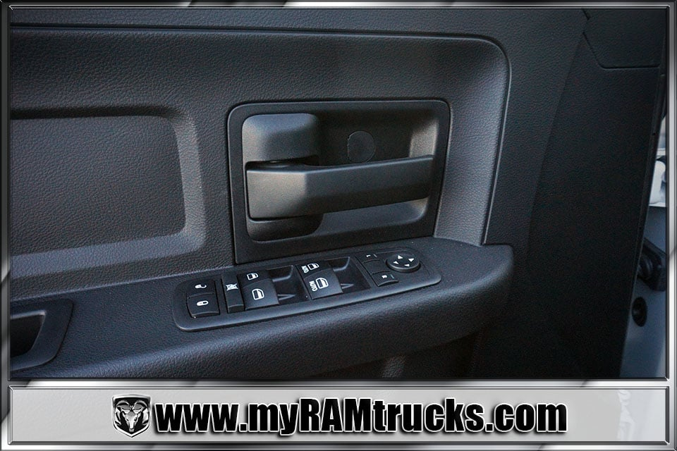 2018 Ram 2500 Crew Cab 4x4 Pickup #8T3028 - photo 11