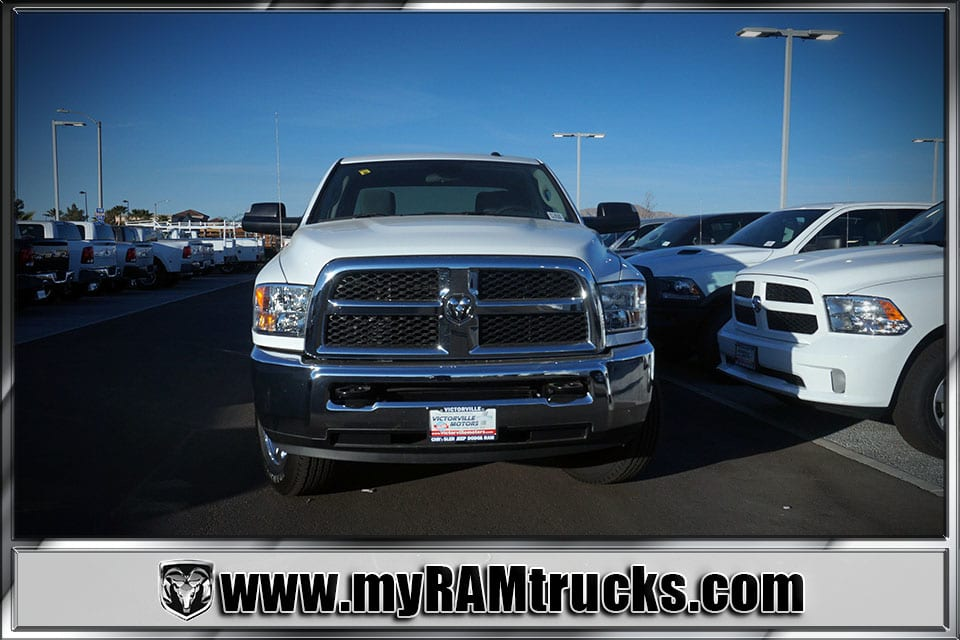 2018 Ram 2500 Crew Cab 4x4 Pickup #8T3028 - photo 3