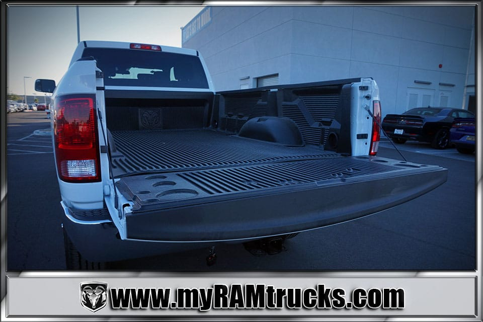 2018 Ram 2500 Crew Cab 4x4 Pickup #8T3028 - photo 29