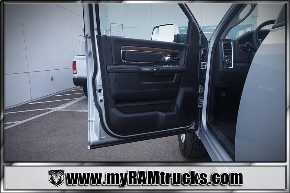 2018 Ram 2500 Crew Cab 4x4,  Pickup #8T3054 - photo 10