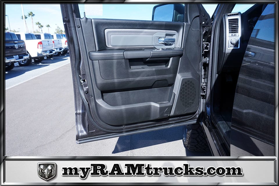 2018 Ram 2500 Crew Cab 4x4,  Pickup #8T3154 - photo 10