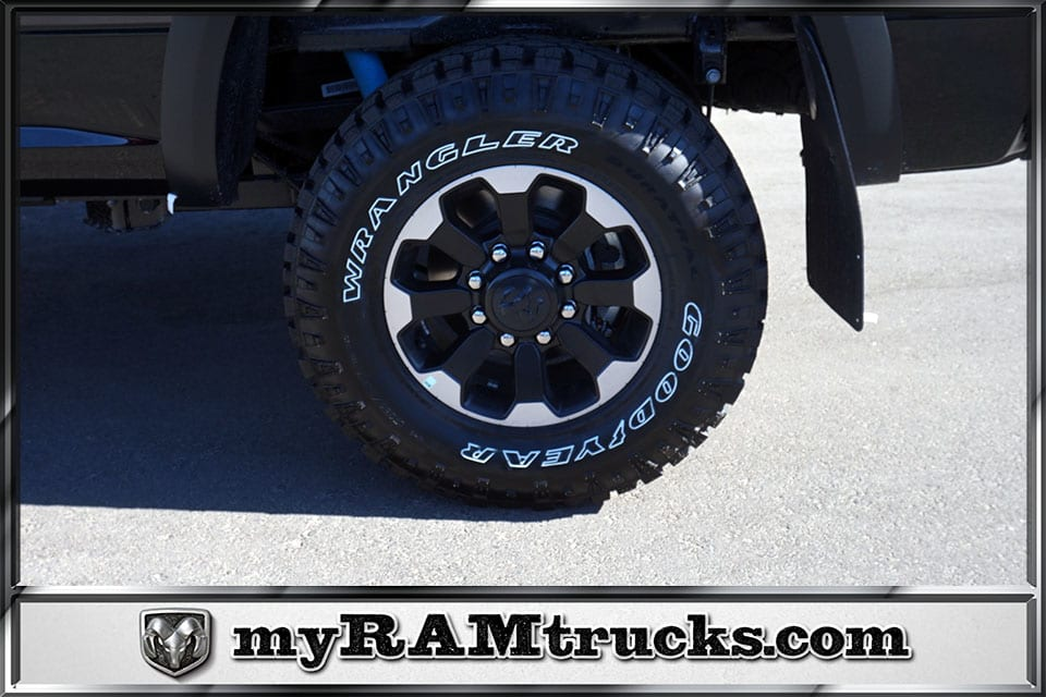 2018 Ram 2500 Crew Cab 4x4,  Pickup #8T3154 - photo 7