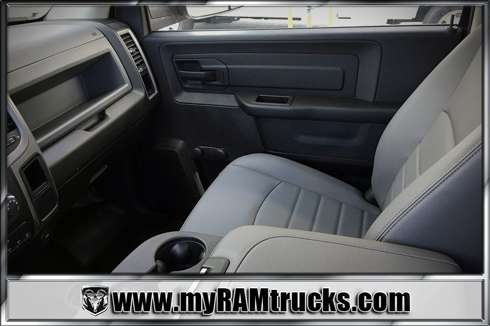 2018 Ram 3500 Regular Cab DRW 4x4, Cab Chassis #8T5026 - photo 16