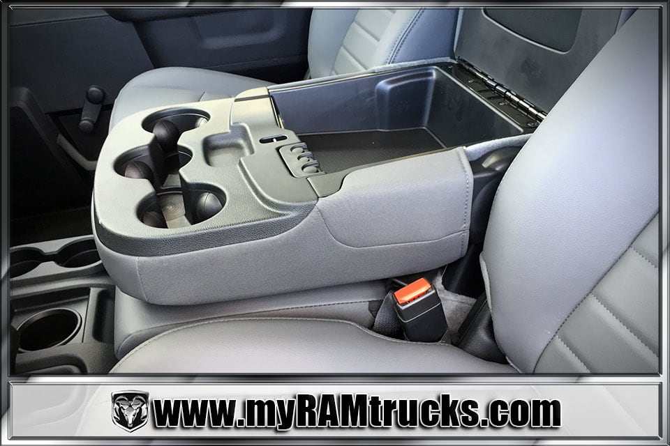 2018 Ram 3500 Regular Cab DRW 4x4, Cab Chassis #8T5027 - photo 19