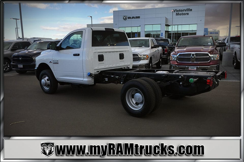 2018 Ram 3500 Regular Cab DRW 4x4, Cab Chassis #8T5027 - photo 2