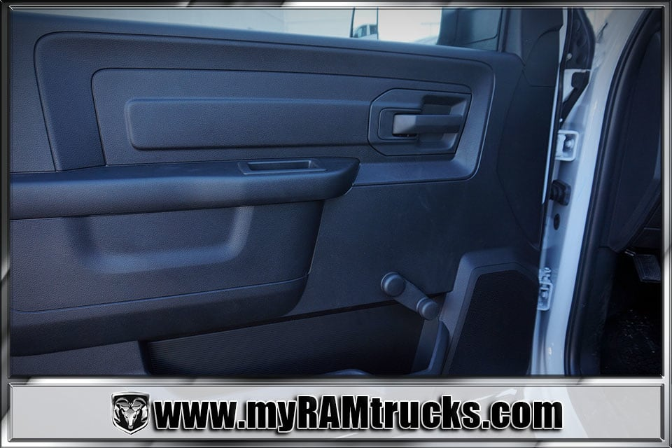 2018 Ram 3500 Regular Cab DRW 4x4, Cab Chassis #8T5028 - photo 12