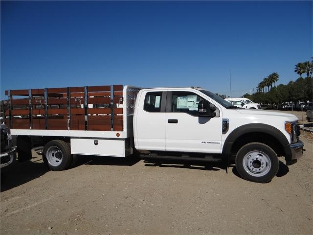 2017 F-450 Super Cab DRW, Scelzi Stake Bed #FH6270 - photo 5