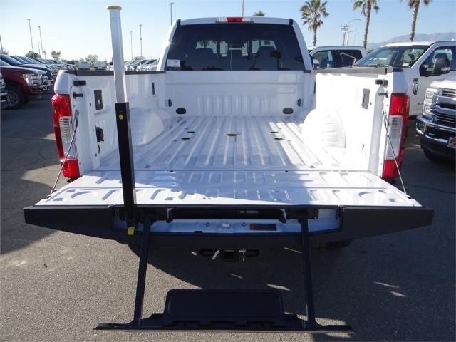 2018 F-350 Crew Cab 4x4, Pickup #FJ1164 - photo 10