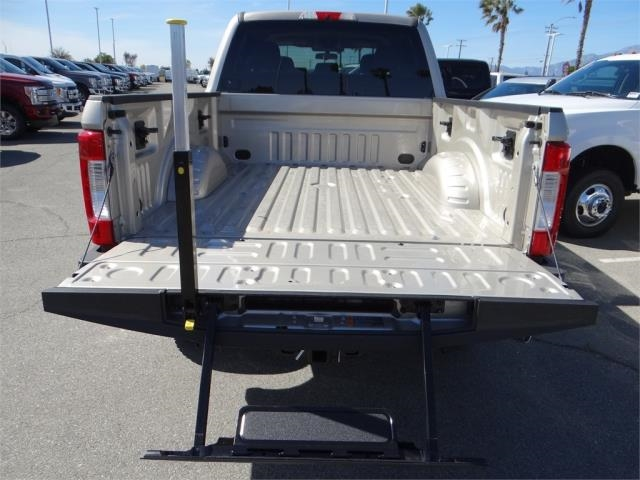 2018 F-250 Crew Cab 4x4, Pickup #FJ1389 - photo 9