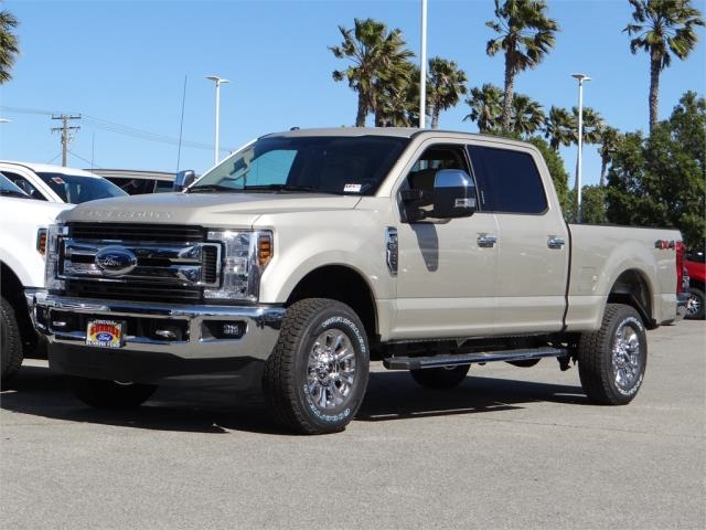 2018 F-250 Crew Cab 4x4, Pickup #FJ1389 - photo 1