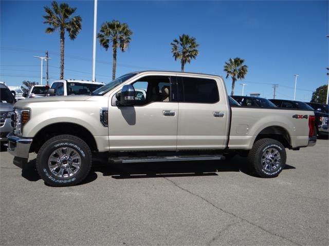 2018 F-250 Crew Cab 4x4, Pickup #FJ1389 - photo 3
