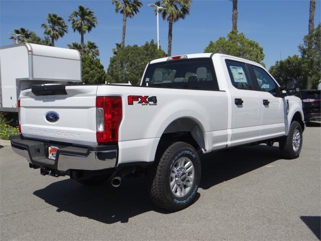 2018 F-250 Crew Cab 4x4,  Pickup #FJ1811 - photo 4