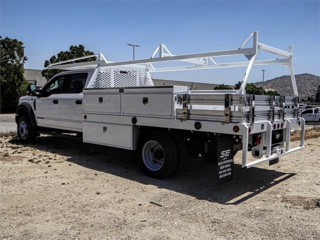 2018 F-550 Crew Cab DRW 4x2,  Scelzi Contractor Body #FJ3015 - photo 2