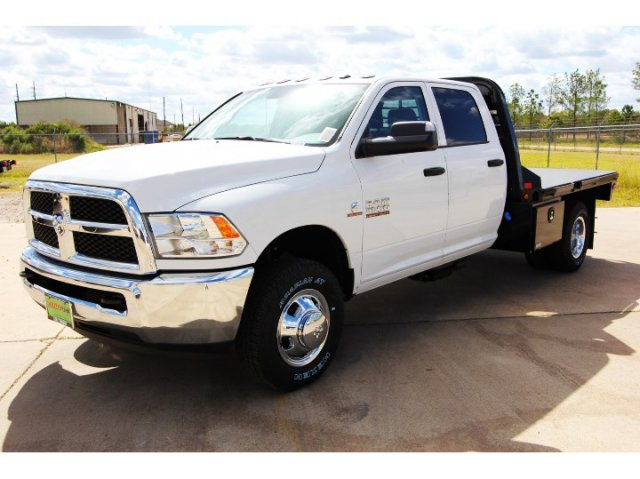 2017 Ram 3500 Crew Cab DRW 4x4, Platform Body #HG758788 - photo 4