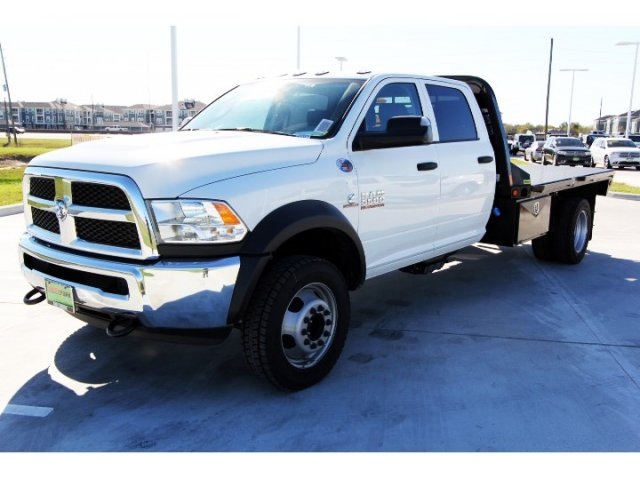 2017 Ram 5500 Crew Cab DRW 4x4, Platform Body #HG773179 - photo 4