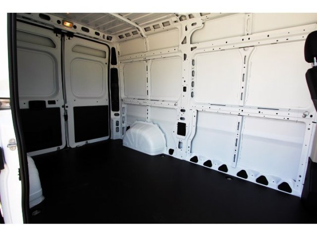 2018 ProMaster 2500 High Roof 4x2,  Empty Cargo Van #JE108753 - photo 2