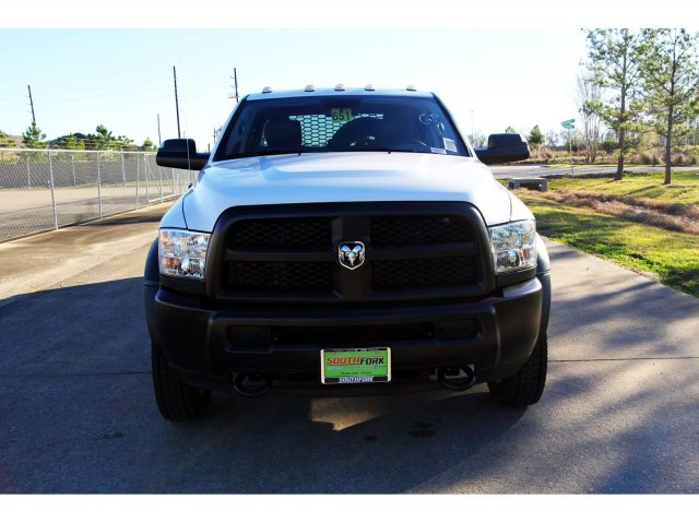 2018 Ram 4500 Crew Cab DRW 4x4,  Platform Body #JG320490 - photo 3