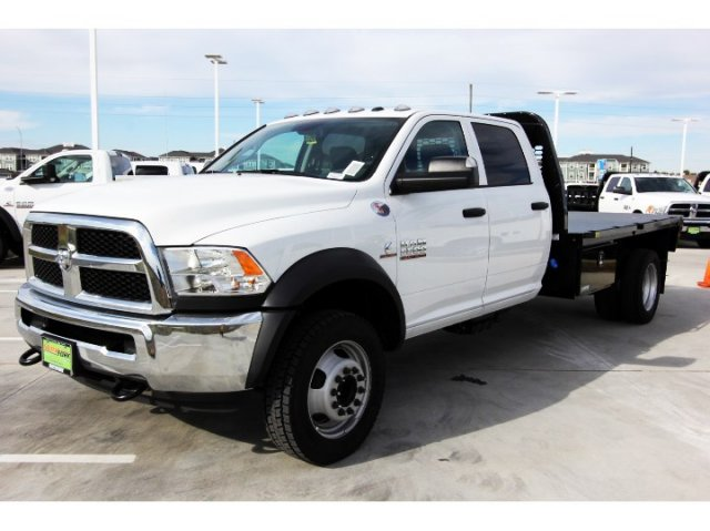2018 Ram 5500 Crew Cab DRW 4x4,  Knapheide Platform Body #JG321354 - photo 4