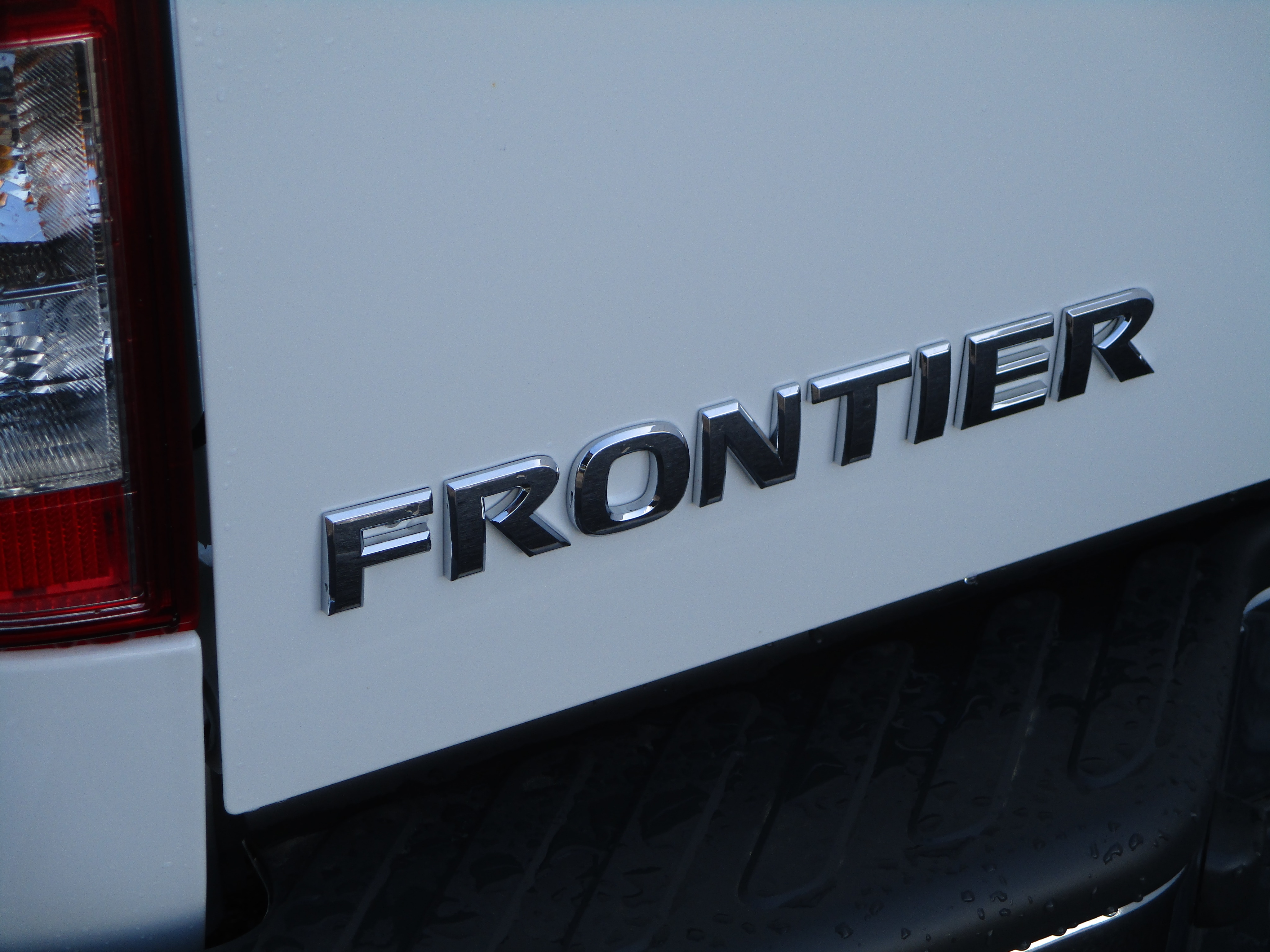 2018 Frontier Crew Cab,  Pickup #8N0084 - photo 5