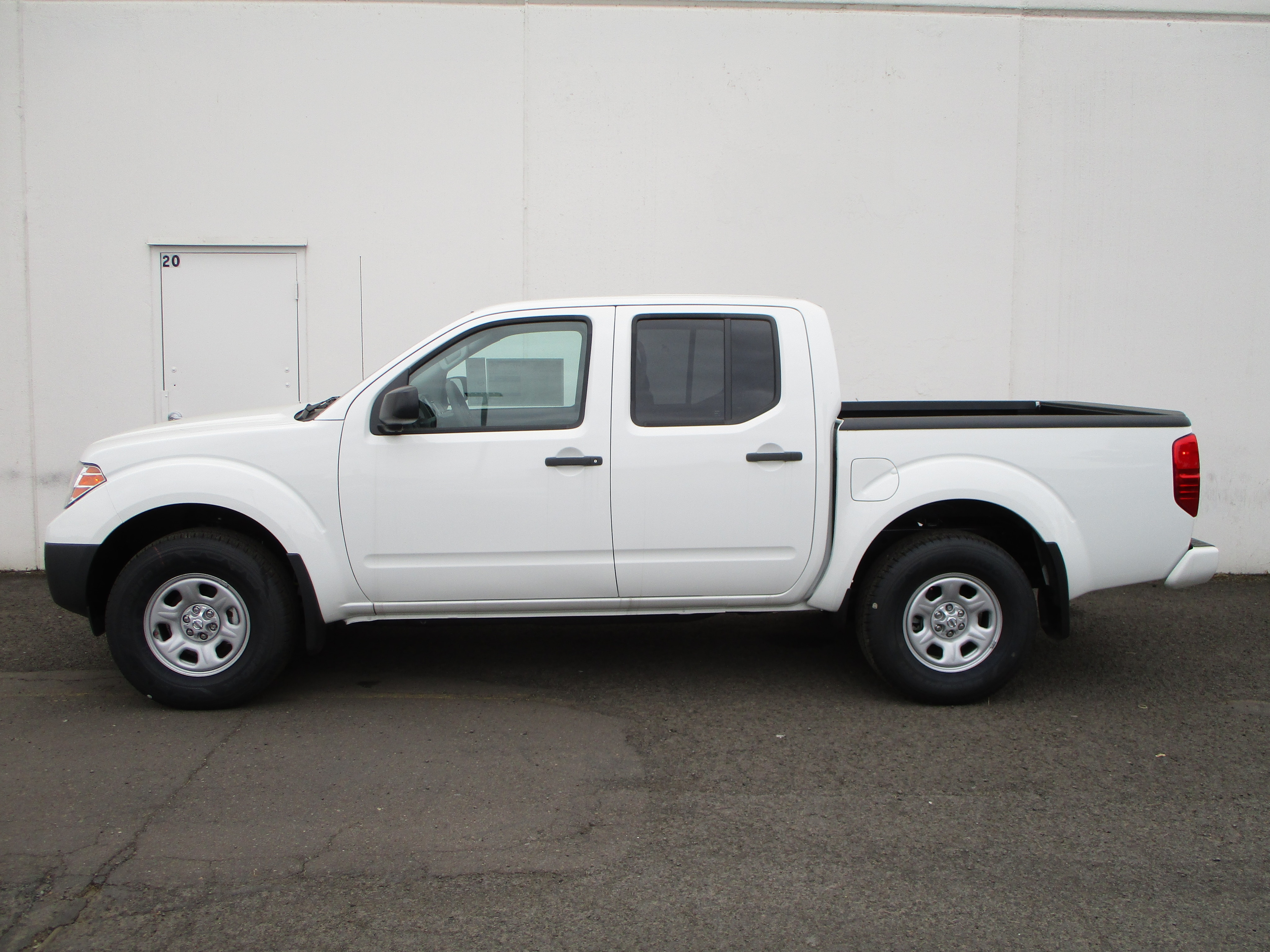 2018 Frontier Crew Cab,  Pickup #8N0132T - photo 6