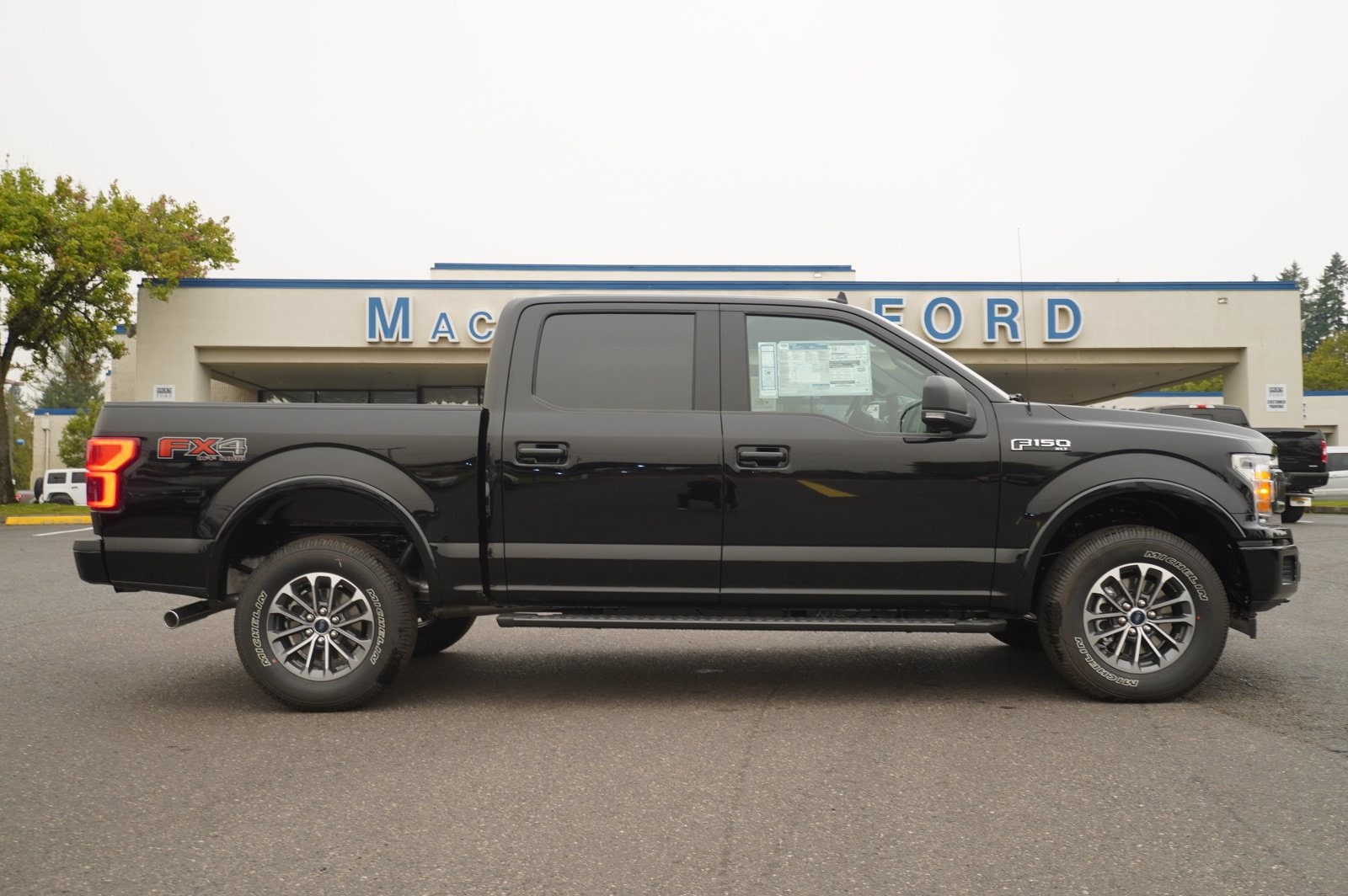 2020 Ford F-150 SuperCrew Cab 4x4, Pickup #209556 - photo 3