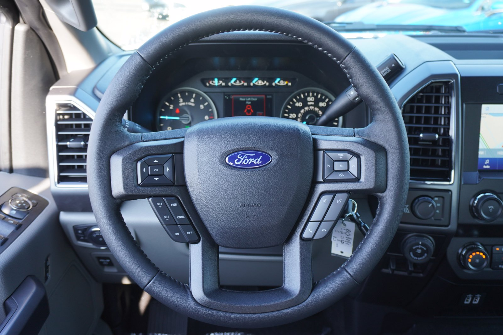 2020 Ford F-150 SuperCrew Cab 4x4, Pickup #209573 - photo 14