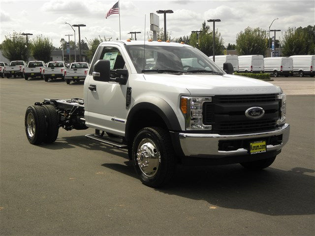 2017 F-550 Regular Cab DRW, Cab Chassis #17F1195 - photo 7