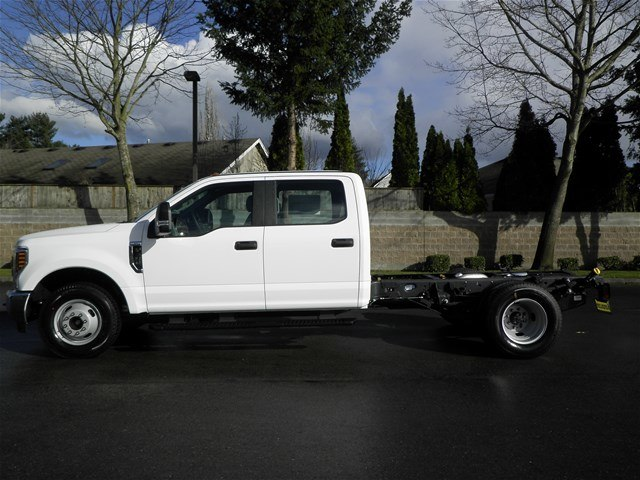 2018 F-350 Crew Cab DRW, Cab Chassis #18F531 - photo 2