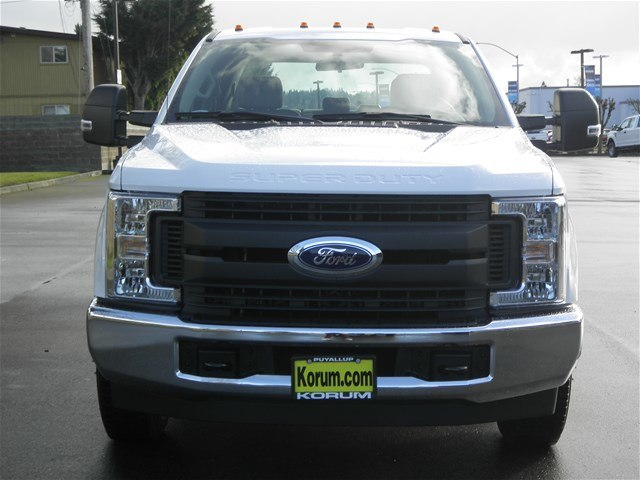 2018 F-350 Crew Cab DRW, Cab Chassis #18F531 - photo 9