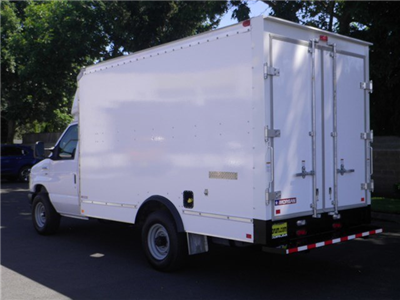 2018 E-350 4x2,  Morgan Mini-Mover Cutaway Van #18F759 - photo 2