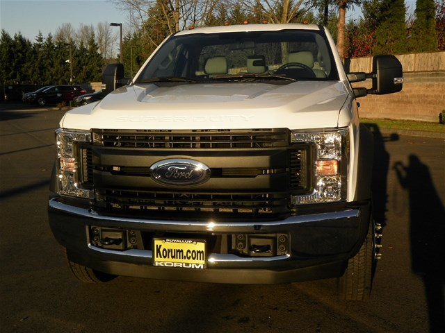 2019 F-450 Regular Cab DRW 4x2,  Cab Chassis #19F173 - photo 7