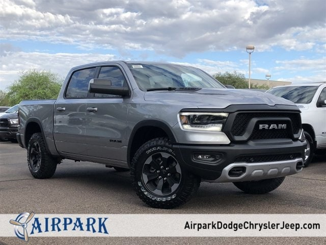 2019 Ram 1500 Crew Cab 4x4,  Pickup #KN542270 - photo 1