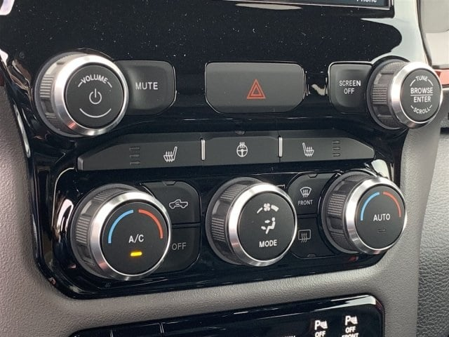 2019 Ram 1500 Crew Cab 4x4,  Pickup #KN671439 - photo 10