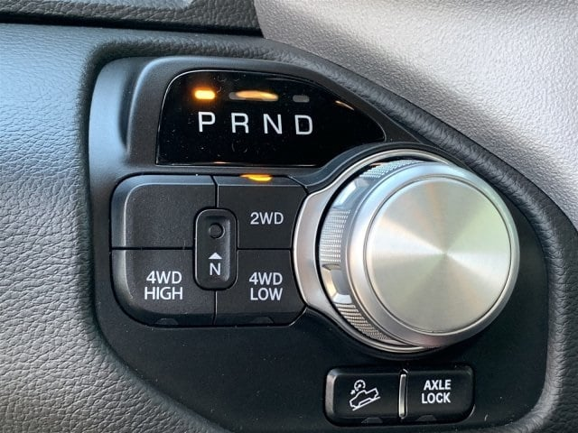2019 Ram 1500 Crew Cab 4x4,  Pickup #KN676082 - photo 11