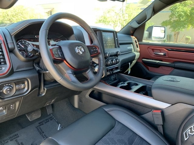 2019 Ram 1500 Crew Cab 4x4,  Pickup #KN676084 - photo 9