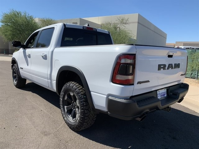 2019 Ram 1500 Crew Cab 4x4,  Pickup #KN676084 - photo 3