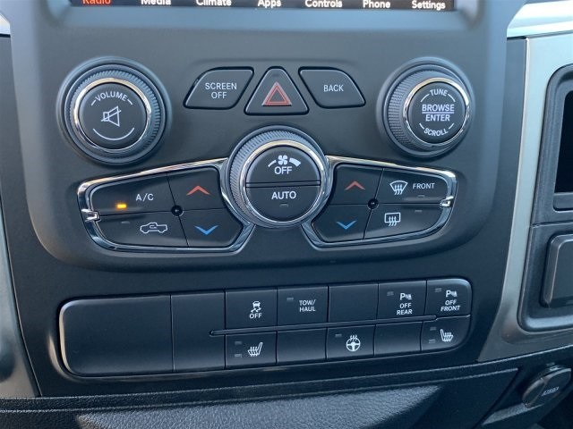 2019 Ram 1500 Crew Cab 4x4,  Pickup #KS560826 - photo 10