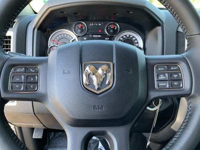 2019 Ram 1500 Crew Cab 4x4,  Pickup #KS560978 - photo 13