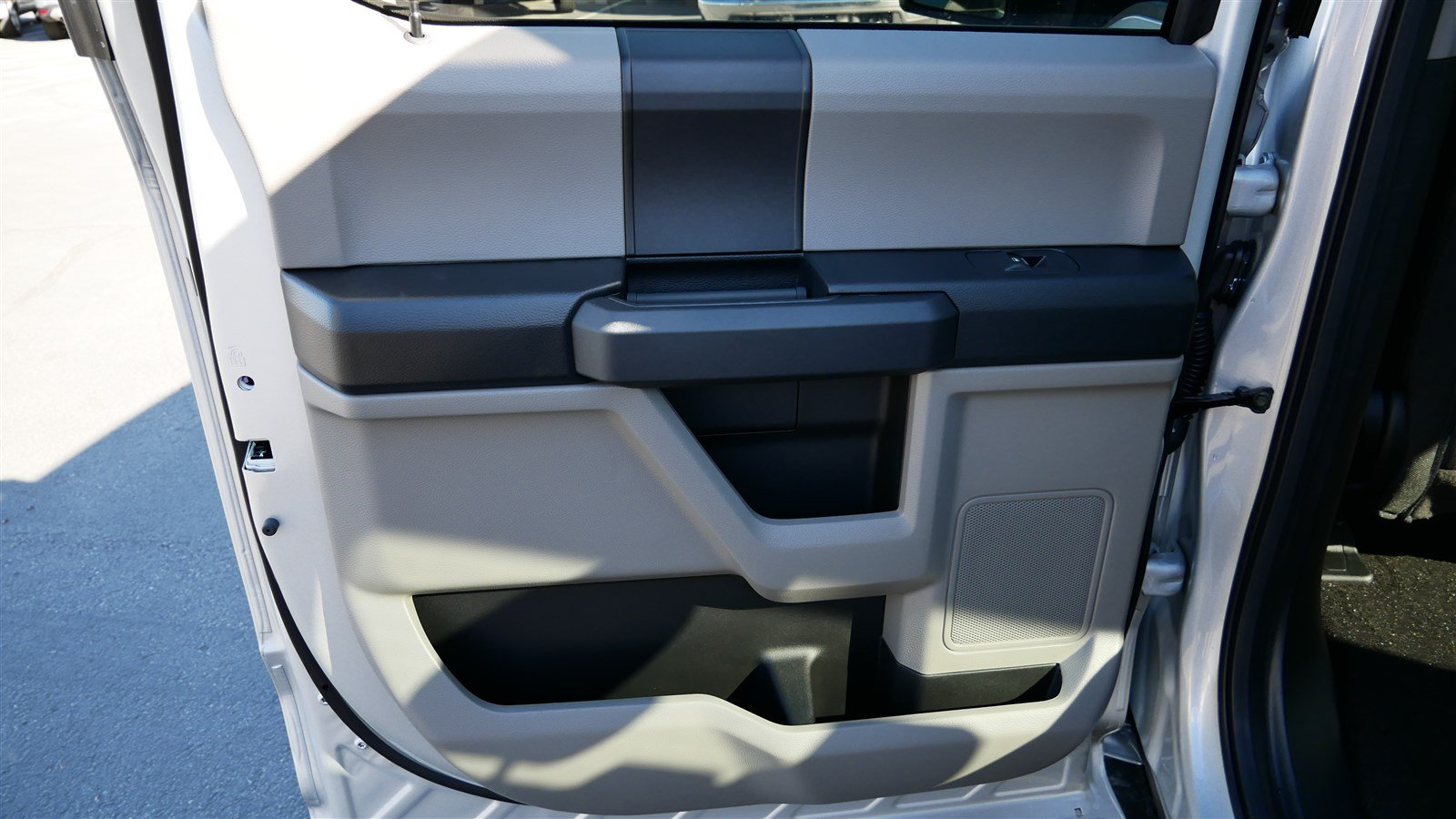 2018 F-150 SuperCrew Cab 4x4,  Pickup #51392 - photo 24